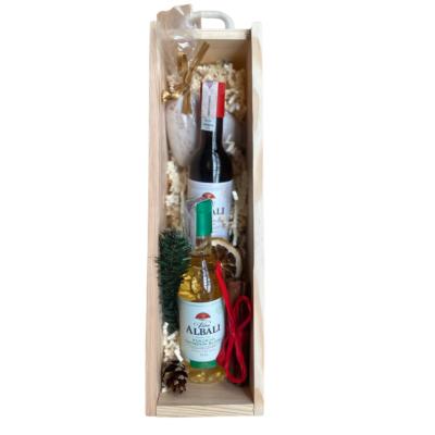 zestaw prezentowy z winem w skrzynce