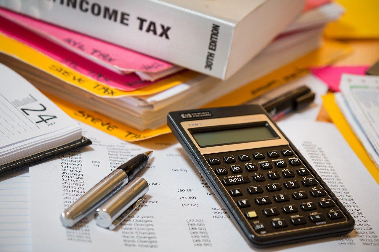 Upominki dla pracowników - jak rozliczać w podatku dochodowym